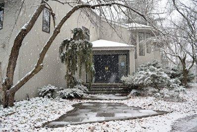 6 Bostwick Lane, Old Westbury, NY 11568 - #: P111M37