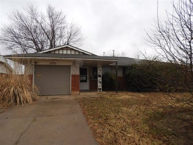 745 Sw 1ST St, Moore, OK 73160 - #: P112A12