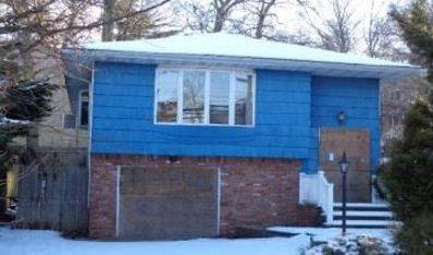 40 Trescott St, Dix Hills, NY 11746 - #: P112FMS
