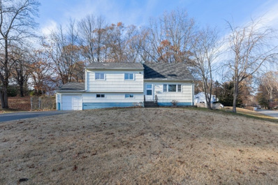32 Twin Lakes Dr, Airmont, NY 10952 - #: P112ONM